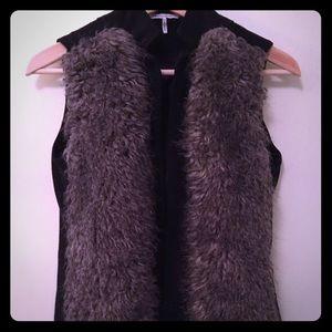 UK French Connection Faux Fur Vest / Lace Short XS